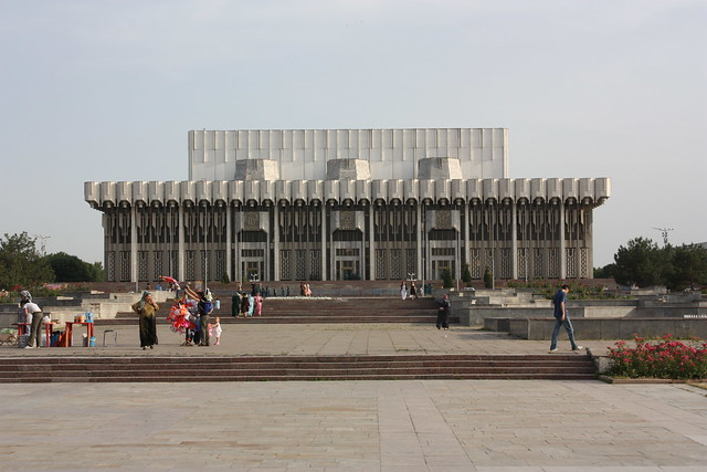 Tashkent, Peoples' Friendship Palace by CC user azwegers on Flickr
