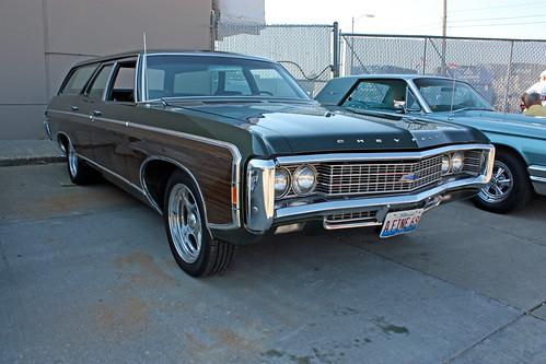 1969 Chevrolet Kingswood Estate Station Wagon (2 of 8)