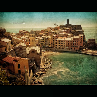 An aid for the 5 Terre - Vernazza. An economy based on tourism destroyed and 10 lives lost. My land is devastated!