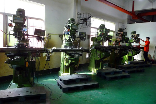 china injection molding machine