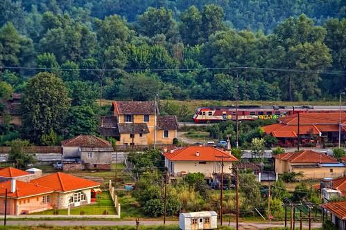 αμαξοστοιχία intercity στο σιδηροδρομικό σταθμό του Παρανεστίου