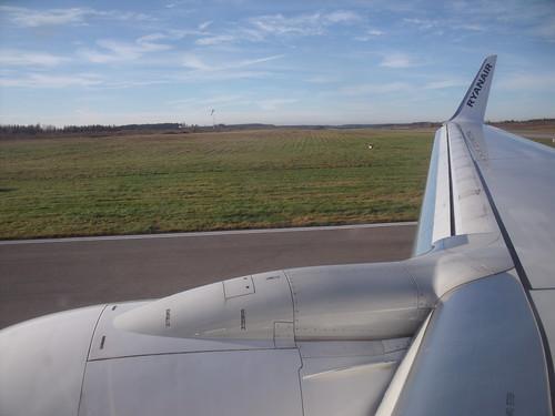 2011.11.09.046 - Ryanair 9565 CRL-NYO - NYKÖPING - Stockholm Skavsta Airport