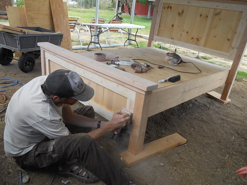 Building Bed