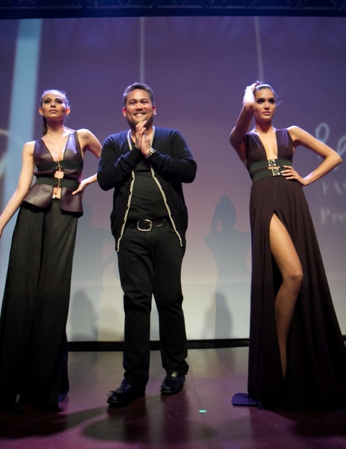 Rajo Laurel and models Olivia and Marie Ann Umali