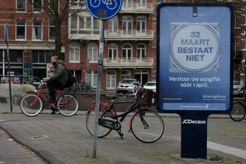 32 Maart bestaat niet, campagne pour la déclaration de revenus