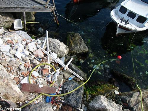 土耳其具指標性的水道充滿了垃圾。(圖片來源:Greg Long)