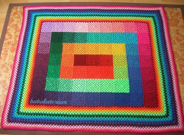 Artan ipler motifli battaniye
