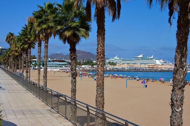 La Playa de Las Alcaravaneras Las Palmas de Gran Canaria