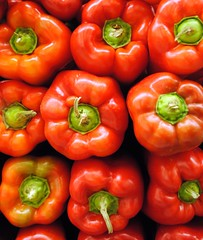 paprika(0.0), cayenne pepper(0.0), italian sweet pepper(0.0), peperoncini(0.0), chili pepper(1.0), bell pepper(1.0), vegetable(1.0), red bell pepper(1.0), peppers(1.0), bell peppers and chili peppers(1.0), produce(1.0), fruit(1.0), food(1.0), pimiento(1.0),