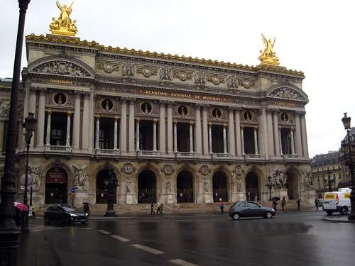 Paris 2 049