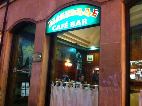 CAFE BAR ELIZAURRE Arenal Bilbao o la actitud by LaVisitaComunicacion