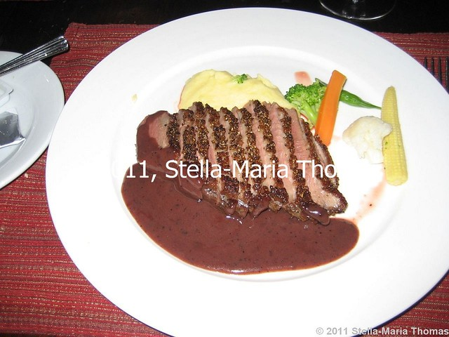 LA BONNE HEURE - DUCK BREAST WITH BLUEBERRY SAUCE 016