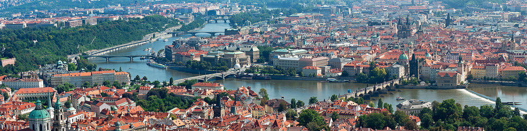 Praga dalla torre eiffel di Petrin