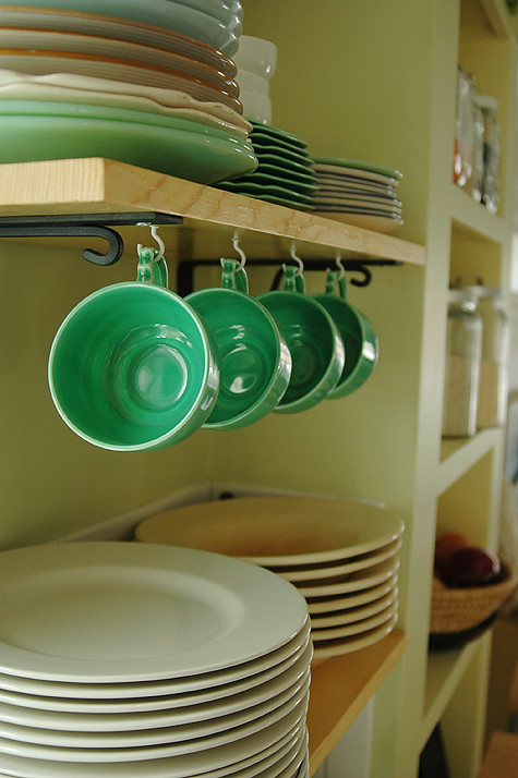 reno-shelves-greencups