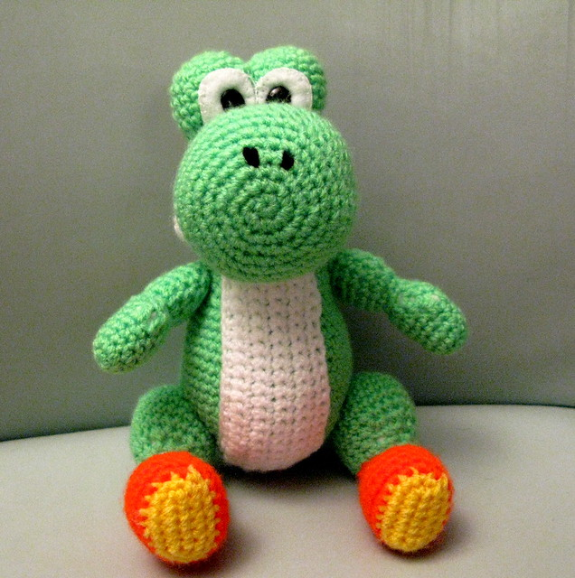 Crochet Yoshi : Amigurumi Yoshi from Mario Brothers Flickr - Photo Sharing!