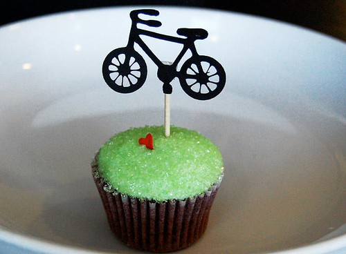 Bicycle cupcake by Animated Cupcakes