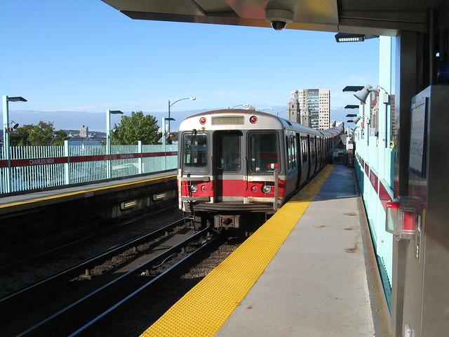 mbta red line 1800 series unit leaves charlesmgh boston