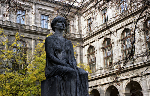Hypatia monument in Vienna University