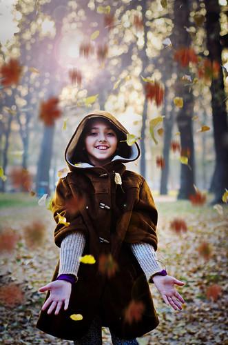 無料写真素材, 人物, 子供  女の子, 紅葉・黄葉, 人物  公園, マケドニア人