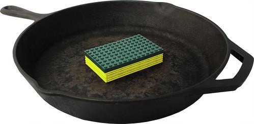 LEGO Sponge and Skillet
