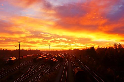 railroad sunset sky beautiful sunrise himmel eisenbahn railway 186 stunning sonne auf sonnenaufgang 185 189 lokomotive traxx geht 1216 lokomotion
