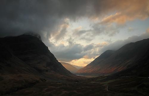 sunset mountains clouds landscape scotland highlands grampianmountains dusk glencoe manfrotto thethreesisters rivercoe sigma18200 passofglencoe aonachdubh sgorrnamfiannaidh leefilters canoneos7d lochachtriochtan steveboote