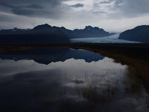 november winter sky mountains reflection clouds landscape iceland nationalpark pond glacier wilderness skaftafell vatnajökull skaftafellsjökull öræfi öræfasveit