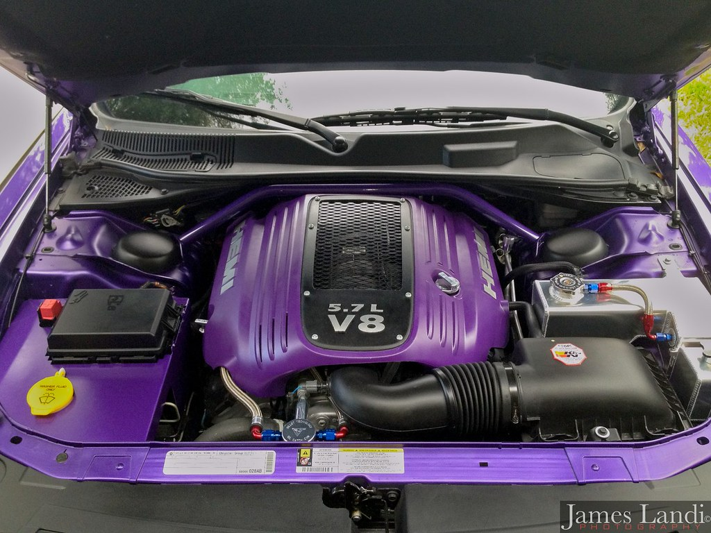 painted and or custom engine cover let 39 s see them page 14 dodge challenger forum. Black Bedroom Furniture Sets. Home Design Ideas