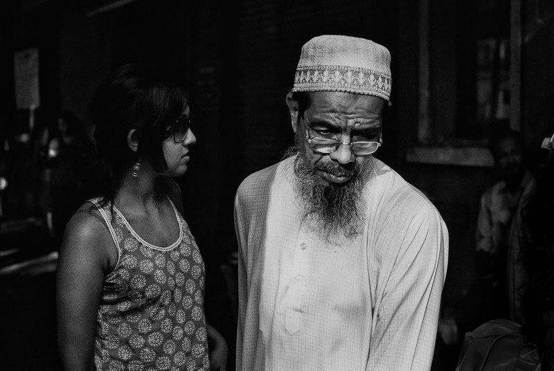 Contrasts - Mayank Pandey amateur photographer from Mumbai India online photo exhibition street [hotography black and white Маянк Пандей фотограф любитель из Мумбай Индия онлайн фотовыставка стрит фотография черно белый