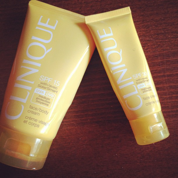 Packing some sunscreen from @Clinique_US which I love!