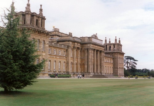 Blenheim Palace: Front View