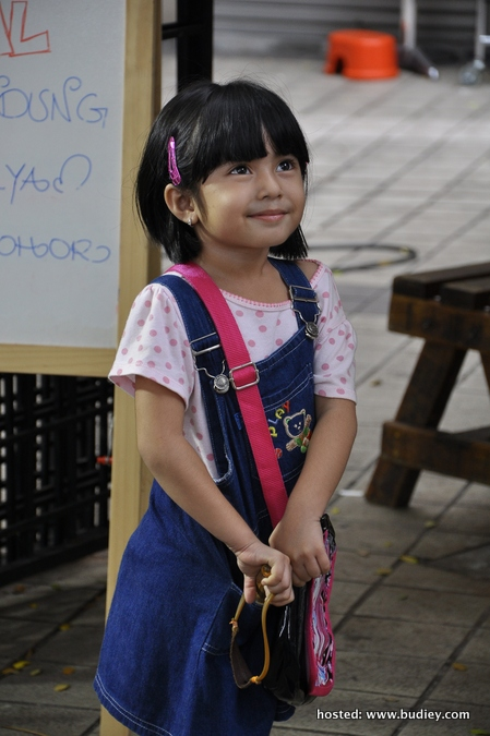 Anak Aeril Fatah, Dania