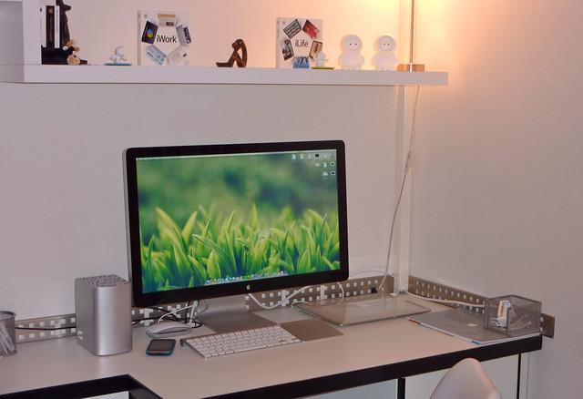 Le Thunderbolt Display débarque sur le bureau !