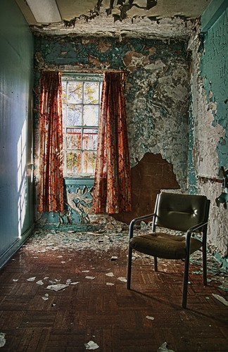 Peeling paint room
