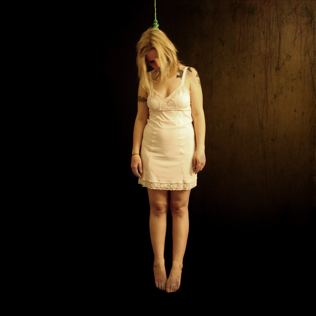 Girl Hanged By Noose gallery-1960   My Hotz Pic