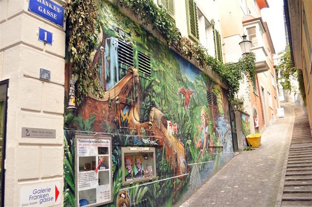 Las pintorescas y empinadas calles del casco antiguo nos llevarán hasta el mirador de Zürich con unas vistas espectaculares zurich - 6332932372 52ce685b55 z - Dos paseos por la ciudad suiza de Zürich