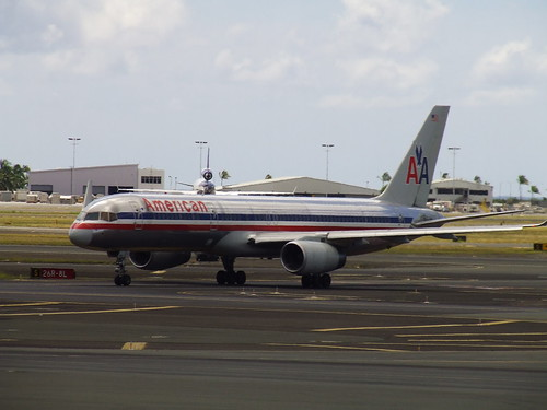 American Airlines Boeing 757, photo by Simon_Sees, http://www.flickr.com/photos/39551170@N02/