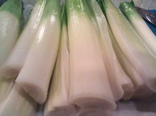 Leeks are pretty all in a pile