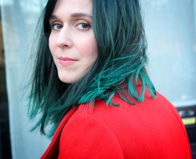 how to go from red to green hair