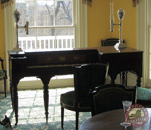 Hamilton Pianoforte