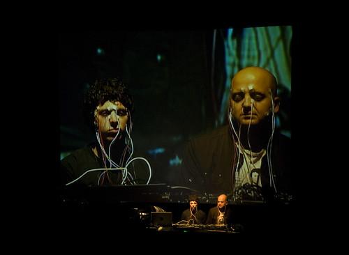 Multi_01_2011> Zach Lieberman + Daito Manabe