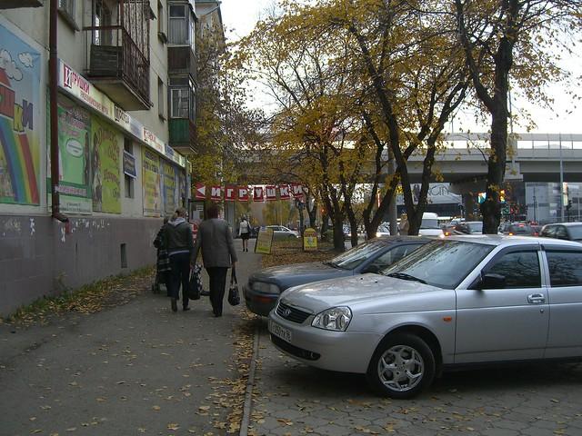 Парковка на Большакова