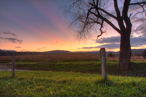 trees sunset mountains field grass canon fence day cove tennessee great row rows 1740mm smokymountains cadescove gsmnp f4l napg tonybarber 40d pwpartlycloudy