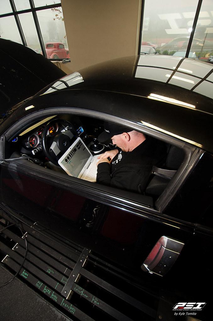 Jason Oefelein tuning a twin-turbo 350Z jpg | Kyle Tomita
