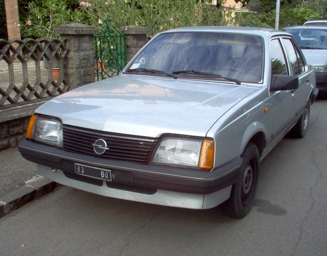 1982 opel ascona 1 6 fastback automatic related infomation specifications weili automotive network. Black Bedroom Furniture Sets. Home Design Ideas