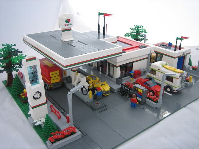Octan Gas Station