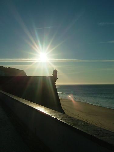 Sun rising in the beach / O nascer do sol na praia