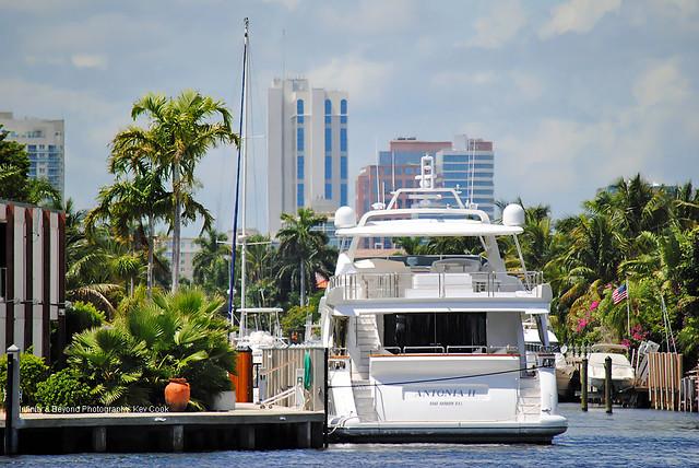 Antonia II Azimut 105' Luxury Yacht. Fort Lauderdale, Florida.