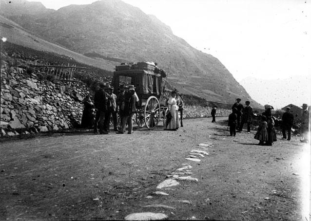 Diligence et voyageurs en route pour Puycerda, Ax-les-Thermes