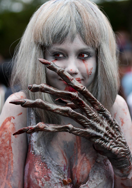 Sexy Zombie Girl